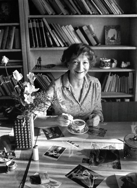 W. Szymborska z filizanka